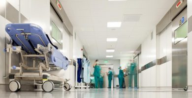 Encuentra aquí todo lo relacionado con soñar con hospital