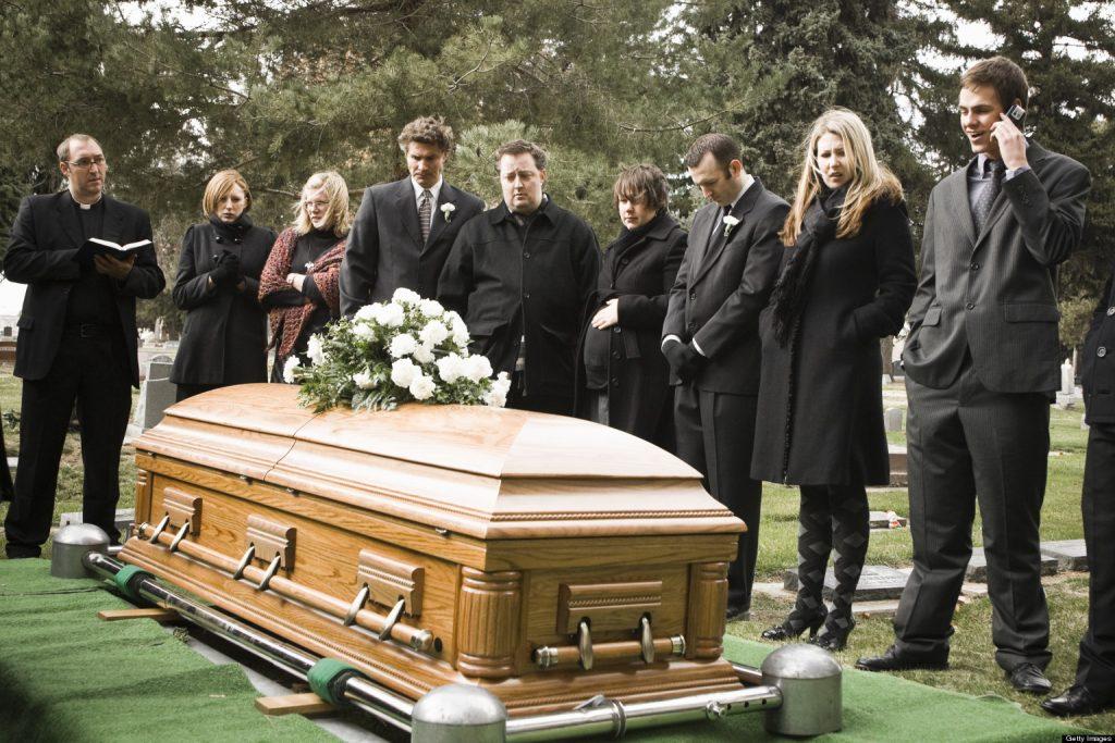 Los misterios de soñar con funeral 2021