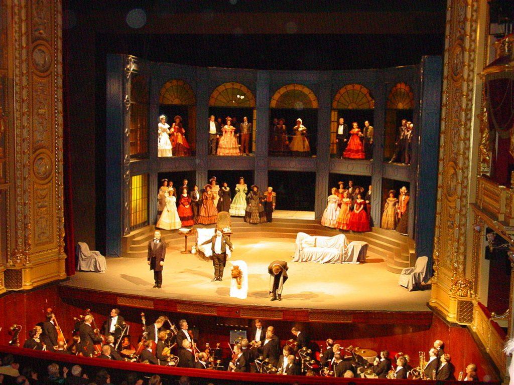 Soñar con obra de teatro, la magia de los escenarios 2020