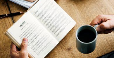 Soñar con leer refleja tu sed de conocimiento