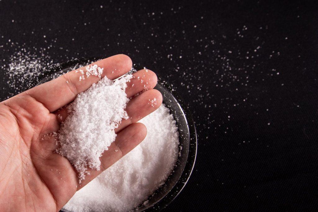 Soñar con sal blanca
